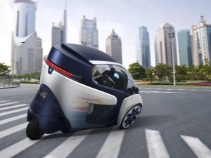 http://www.cnetfrance.fr/cartech/toyota-i-road-l-anti-twizy-39787856.htm