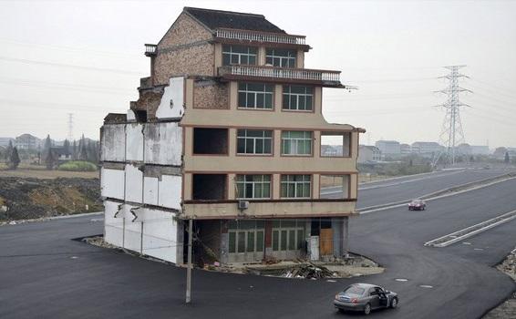 En Chine, les « maisons clous » résistent aux promoteurs